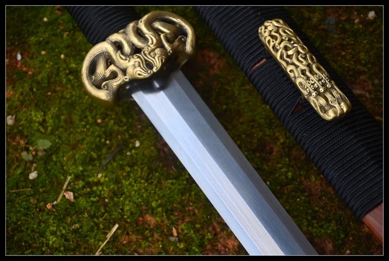 首页 汉剑 儡具八面汉剑|汉剑|花纹钢|★★  产品名称儡具八面汉剑 全